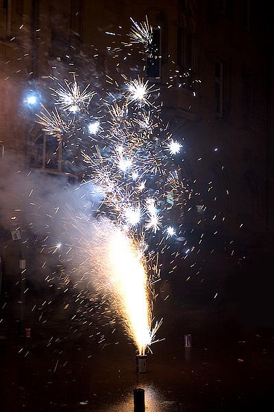 Feuerwerk vor dem Rosenrot in Pforzheim