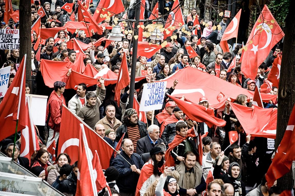 Türkische Demonstration gegen Terror in Pforzheim