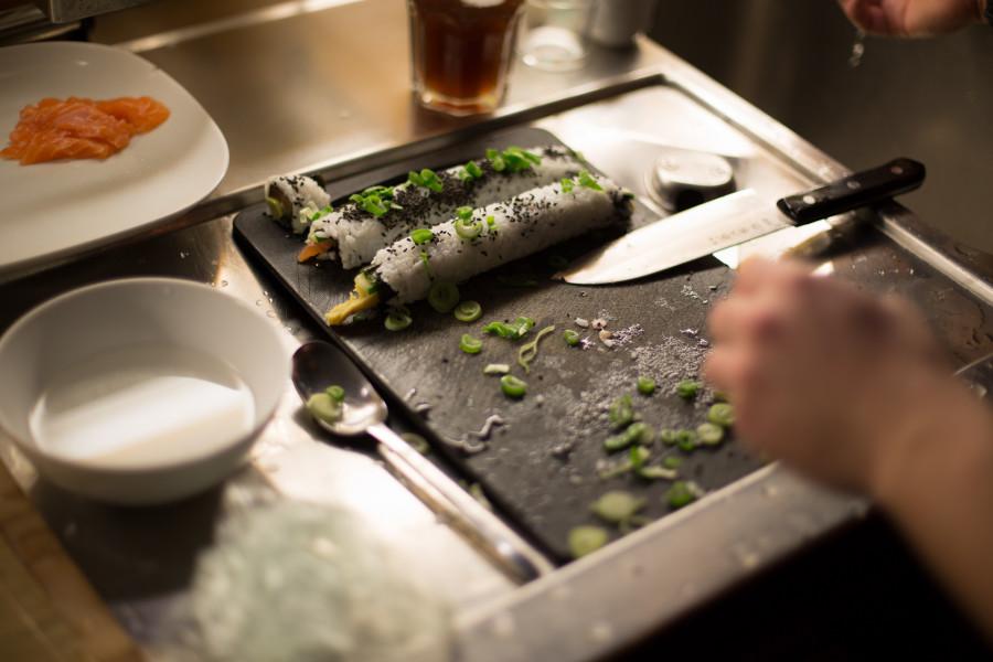 making-sushi-1946