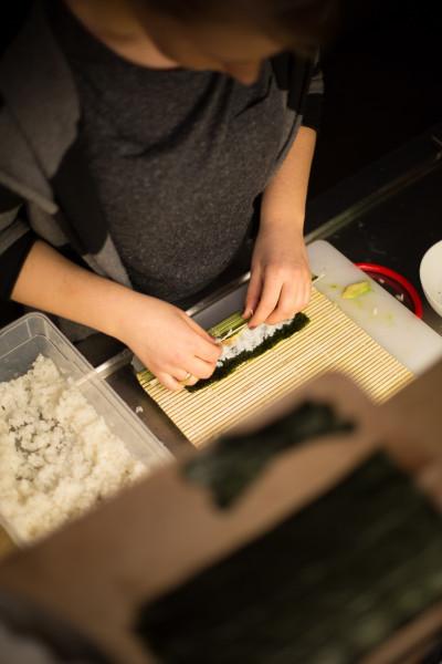 making-sushi-1955