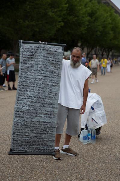 Ein Demonstrant vor dem Weissen Haus