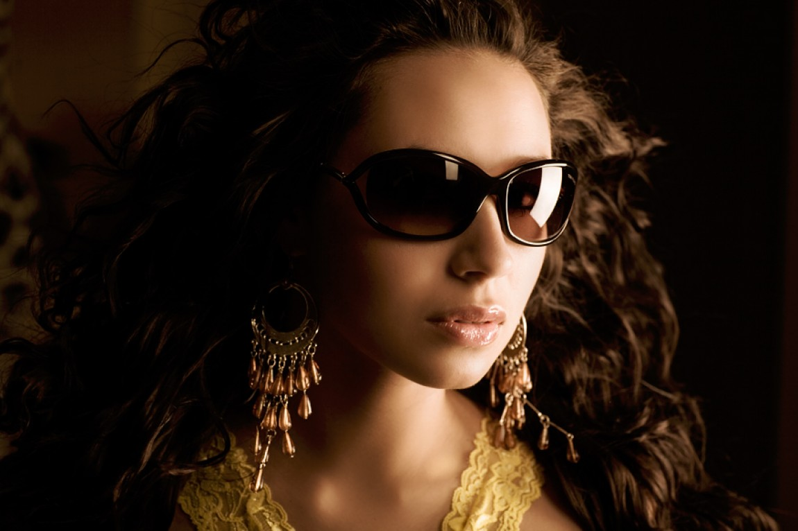 Sunglass Dressed Face 2007 – Daria Rybalov