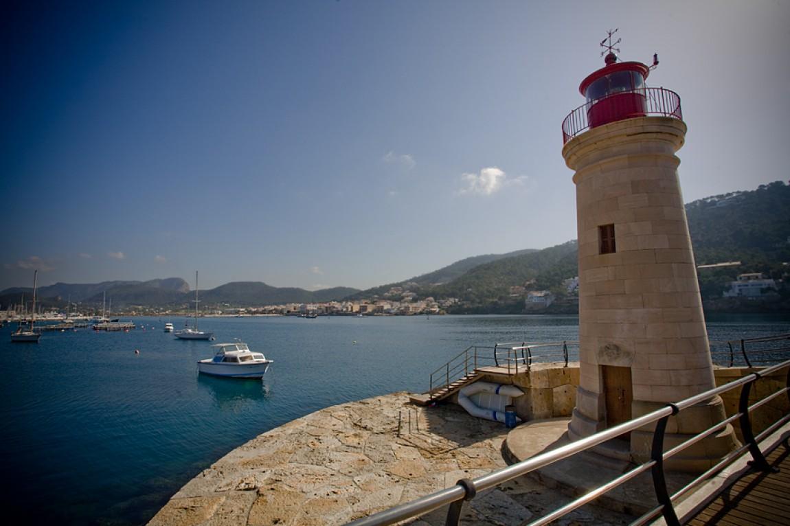 Mallorca / Andratx / Spanien Hafen – Leuchtturm