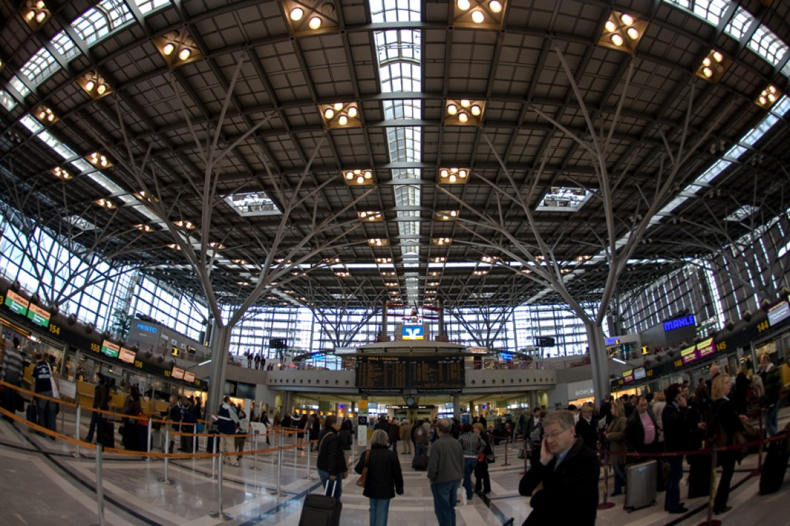 Fisheye: Stuttgart Airport – Terminal